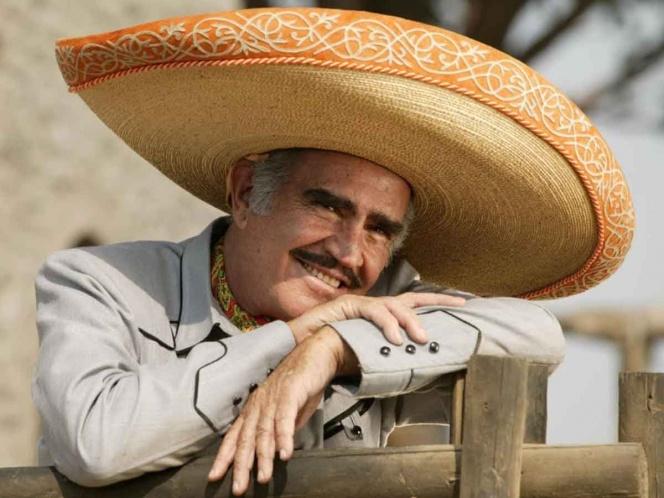 Vicente Fernández rechaza trasplante de hígado por temor a que perteneciera a un gay