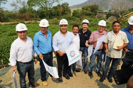 Gobernador de Guerrero da inicio a desazolve del río de La Sabana y arroyo El Colacho