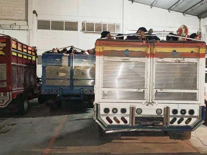 Aseguran en Chiapas 9 camionetas… con 300 migrantes