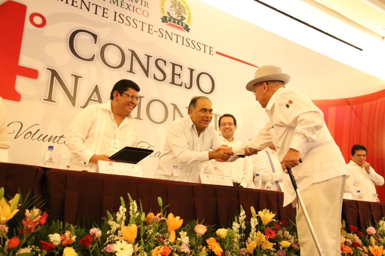 Inaugura Héctor Astudillo el 14 Consejo Nacional del SNTISSSTE