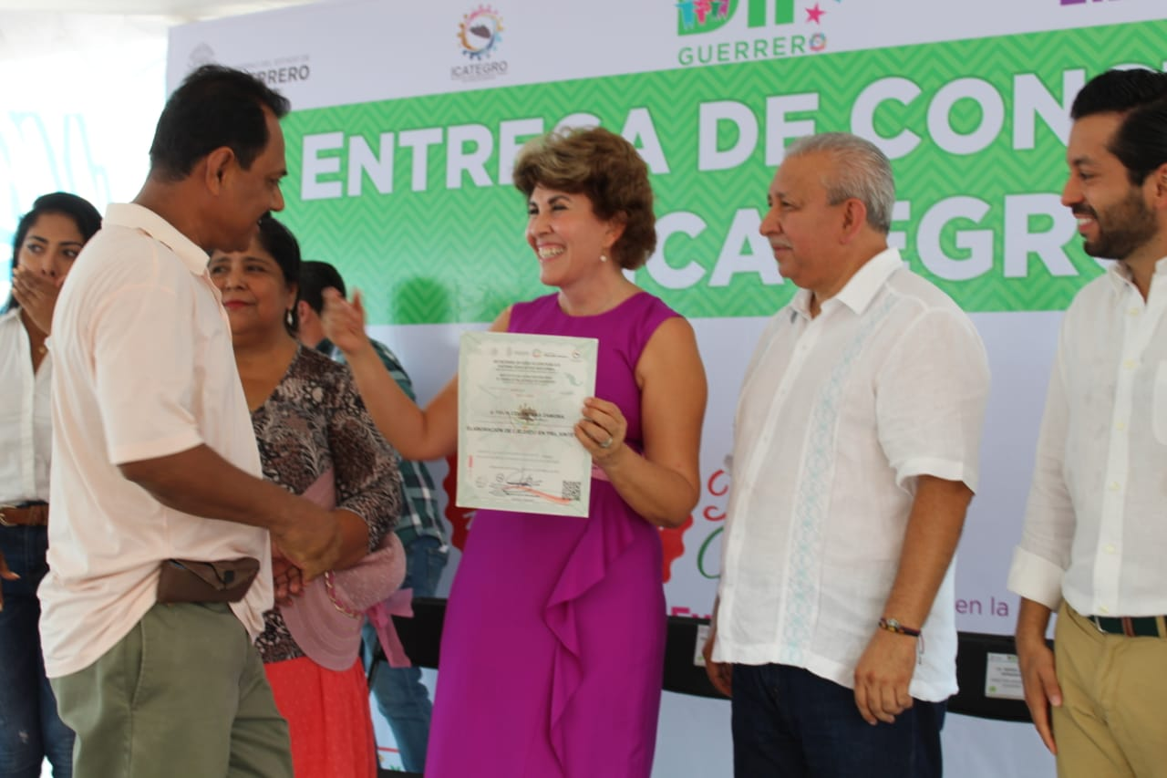 Seguimos generando empleo para que más Guerrerenses se incorporen al sector productivo: Mercedes Calvo