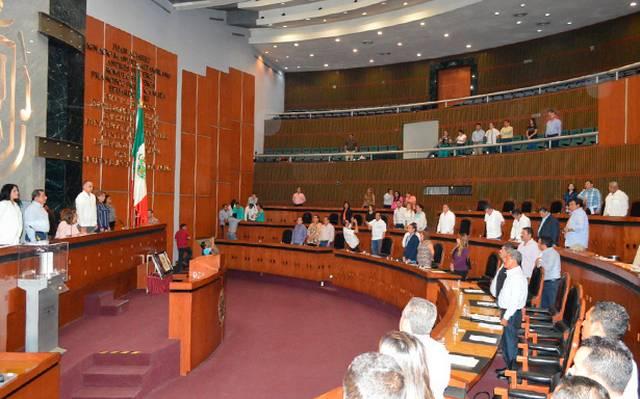 Intenta Morena secuestrar al Congreso de Guerrero: oposición