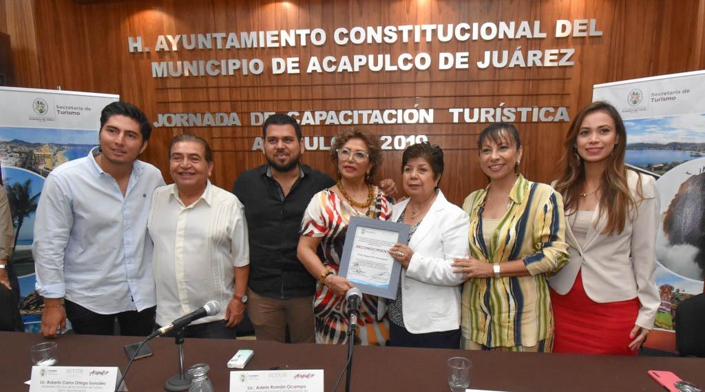 (Video) La asesoría y capacitación mejorarán atención a turistas, dice Adela Román