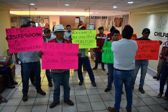Pago puntual; exigen trabajadores del Ayuntamiento al alcalde Antonio Gaspar