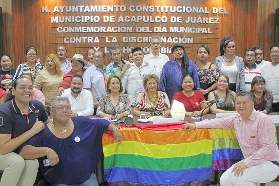 Reconoce comunidad LGBTTTI a Adela Román por ser un gobierno incluyente