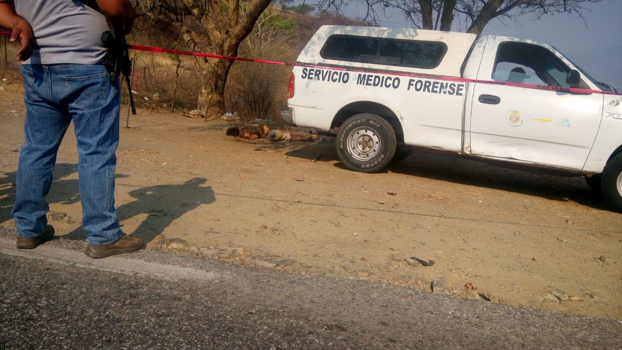 Localizan cadáver con más 50 balazos de AK-47 y AR-15, en la carretera Iguala-Teloloapan