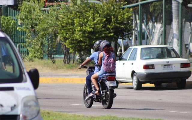 El ayuntamiento de Tixtla, mantiene un operativo permanente de vigilancia de motociclistas