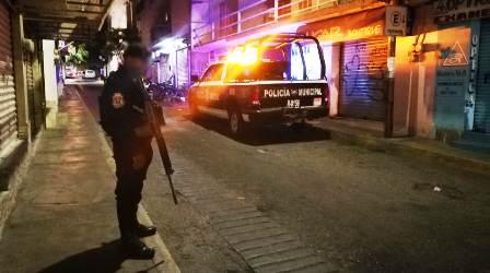 Hombres armados roban una camioneta en céntrico barrio de Chilpancingo
