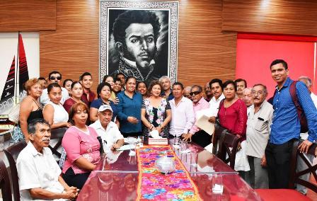 Se reúne Adela Román con gestores sociales y líderes de izquierda