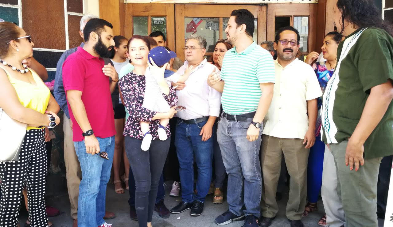 Comerciantes de Chilpancingo piden a paristas que retiren bloqueos