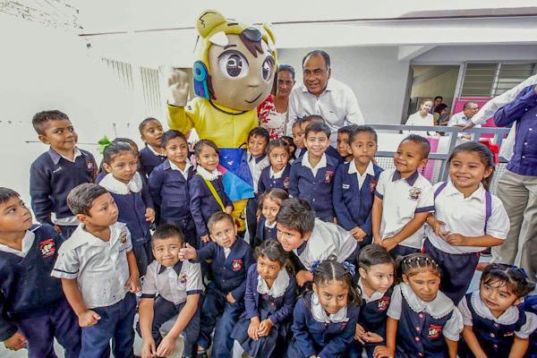 Inaugura jardín de niños el gobernador Astudillo
