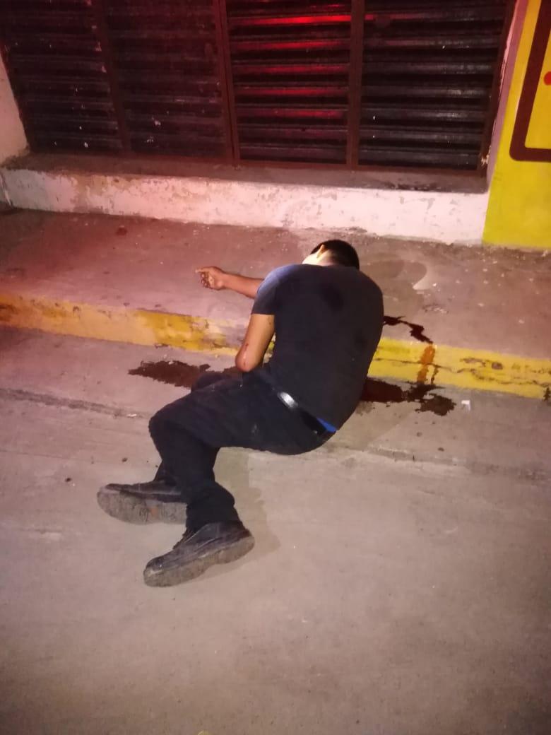 Asesinan a un hombre en el Centro de Coyuca de Benítez