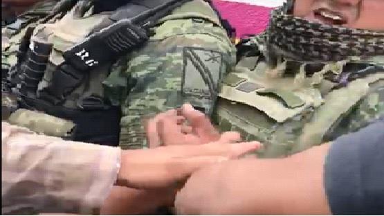 Humillando al Ejército