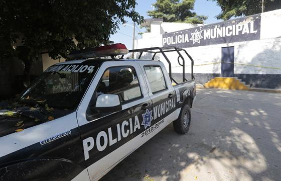 Detiene Policía Municipal a un hombre con una camioneta robada en Chilpancingo