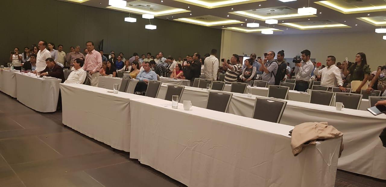 Otra vez dejan a Morena sin quórum y se suspende la sesión del Congreso