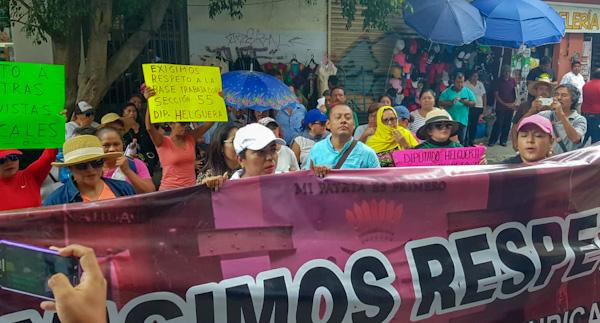 Ofrecen 8% de aumento salarial a paristas del Congreso de Guerrero