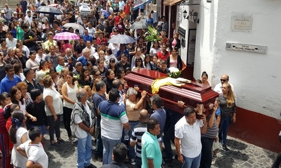 Abandona alcalde de Taxco a policías, en homenaje póstumo