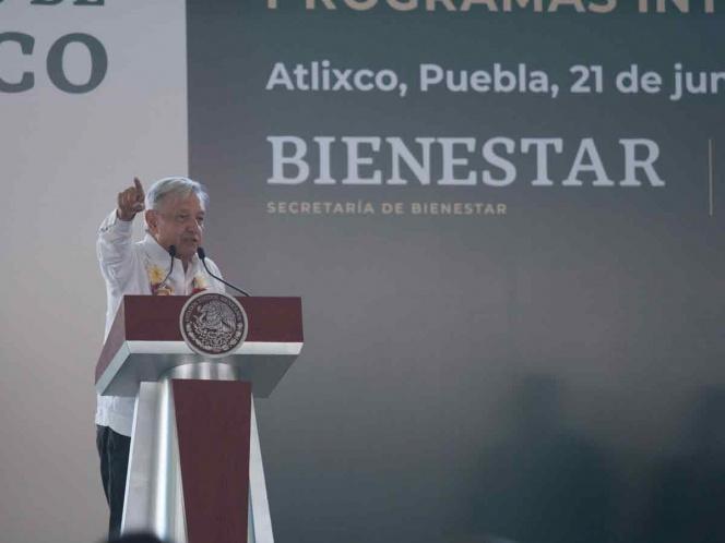 No me hallo en la oficina, tengo que andar en los pueblos: López Obrador