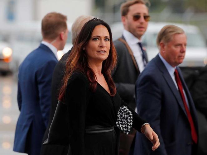 Melania compartirá a su portavoz, Stephanie Grisham, con Trump