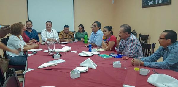 Tumba Pablo Sandoval a Helguera de la coordinación del Congreso