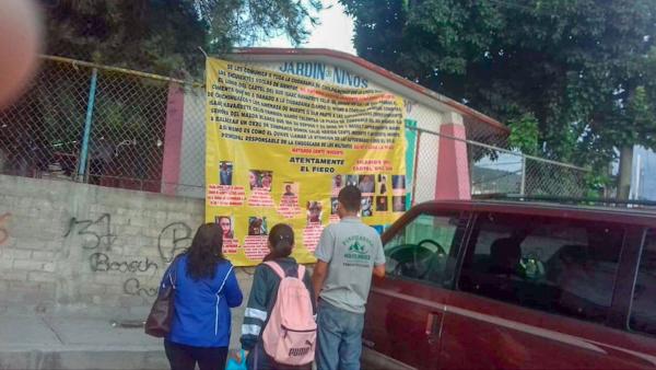 Aparecen narco lonas en Chilpancingo