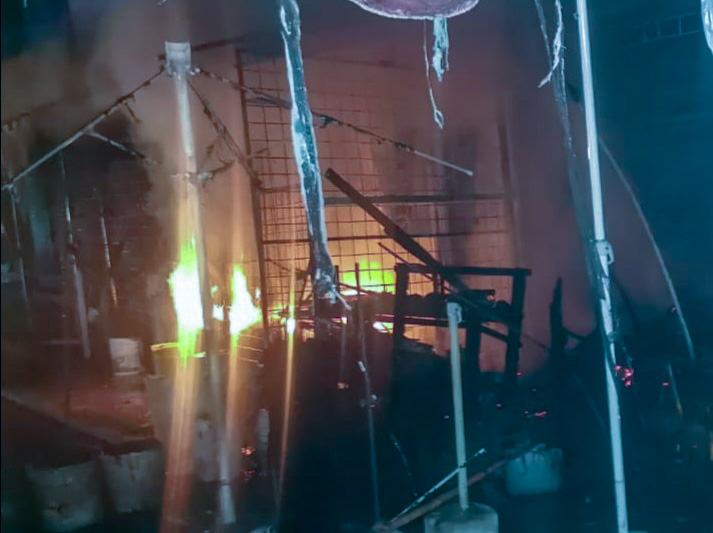 Un muerto y 14 locales incendiados en Acapulco