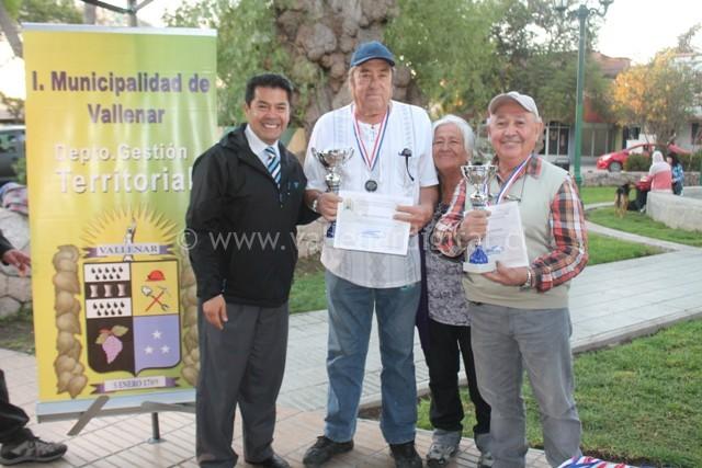 Campeonato de Dominó Adultos Mayores (11)