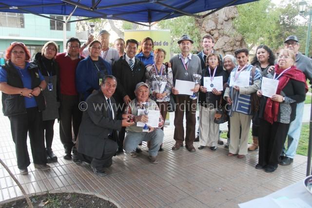 Campeonato de Dominó Adultos Mayores (13)
