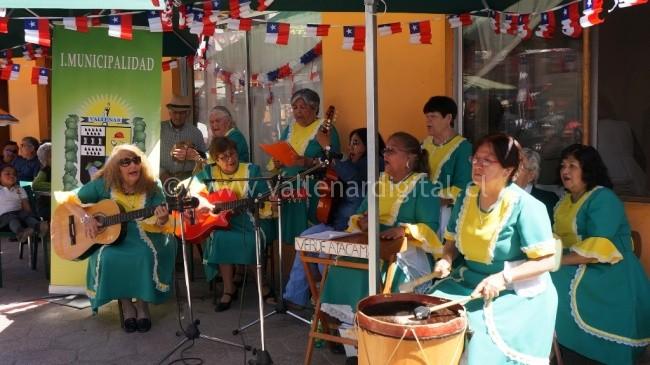fiestas-patrias-en-el-mercado-municipal-10