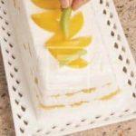 Mattonella allo yogurt greco e frutta fresca: la ricetta illustrata