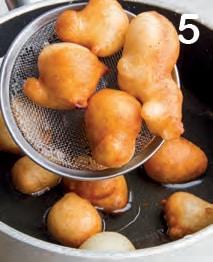 Lokma: frittelle turche con lo sciroppo di limone