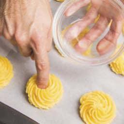 Cestini di patate duchessa con l'aceto balsamico