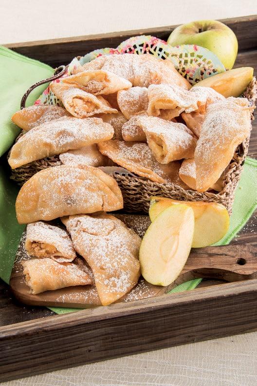 Panzerotti dolci di farina di riso con le mele