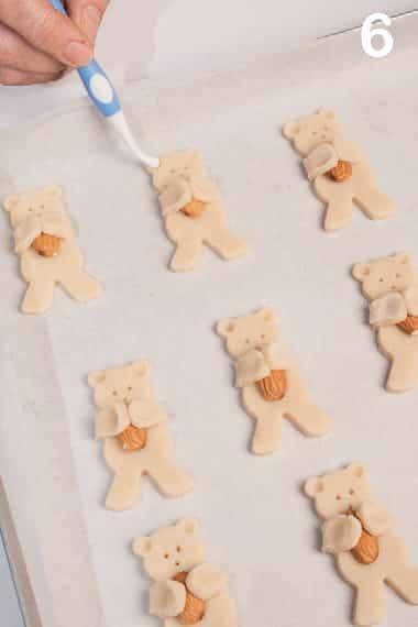 Orsetti teneri e croccanti: biscotti di frolla e mandorle