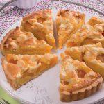 Crostata frangipane con albicocche sciroppate