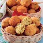 Polpettine di ceci e patate aromatizzate con il curry