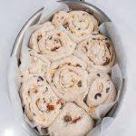 Torta di rose con provola, olive e pomodori sott'olio