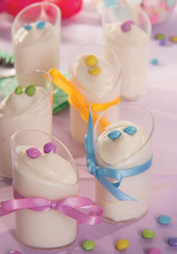 Bicchierini di mousse al cioccolato bianco
