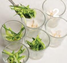 Bicchierini di crudités di zucchine e ricotta