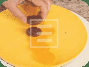 Torta moderna con crema chiboust, marroni arance