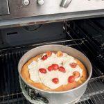 Torta morbida alle ciliegie con crema di panna e mascarpone