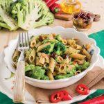 Penne integrali con acciughe e broccoli