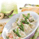 Risotto con asparagi e pancetta: ricetta facile e delicata