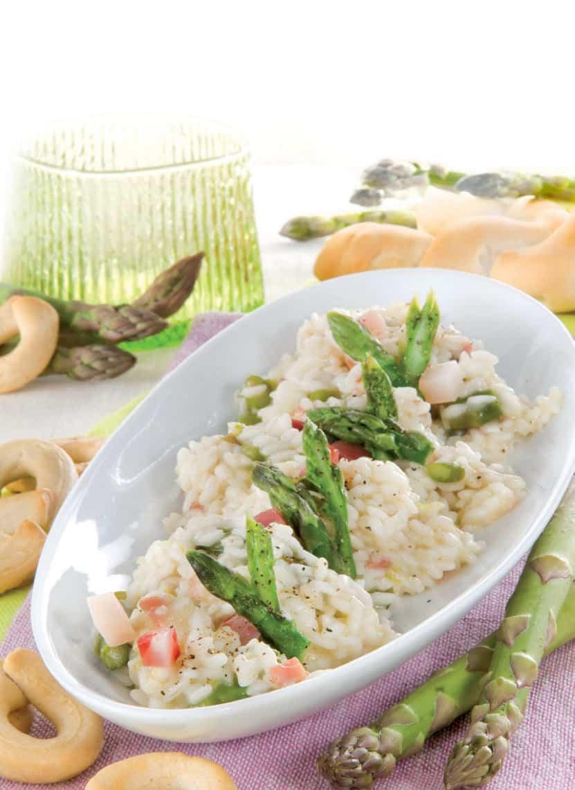 Risotto delicato agli asparagi e pancetta: la ricetta