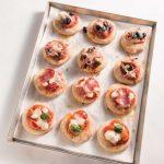 Fantasia di pizzette mille gusti: prosciutto, salame, fontina e...