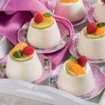 Panna cotta alla vaniglia con top di frutta