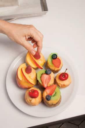 Fruttini farciti con sorbetto all'arancia e lime