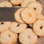 Ciambelle viennesi: biscotti di frolla alle nocciole