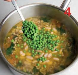 Zuppa di farro con bietole, fagioli e piselli