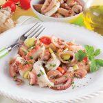 Calamari e polpi in insalata estiva: un piatto light e fresco